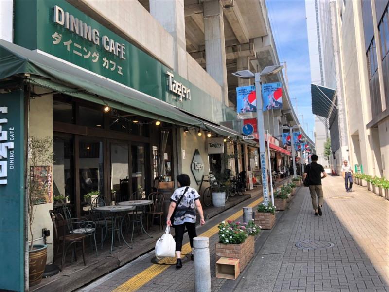 王子駅周辺の歩道
