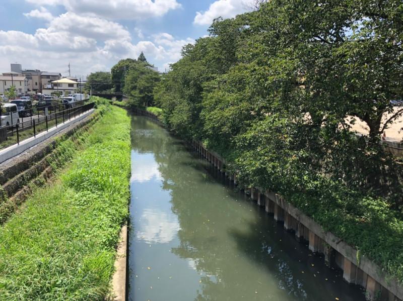 南与野駅東側の鴻沼排水路