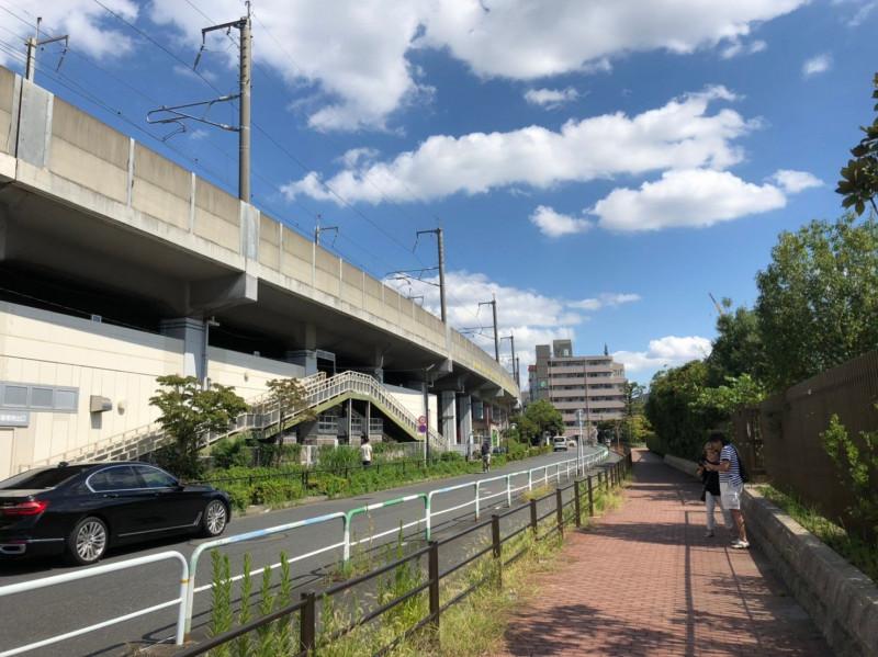 浮間舟渡駅南側の歩道