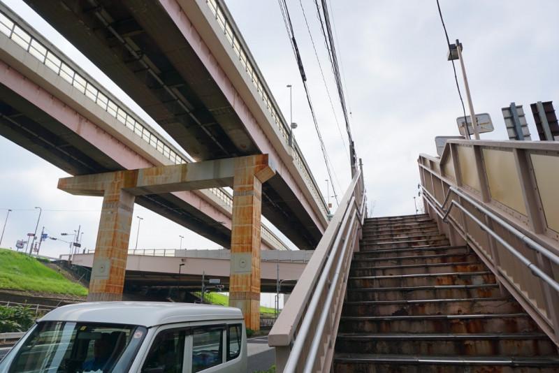 足立一丁目の歩道橋