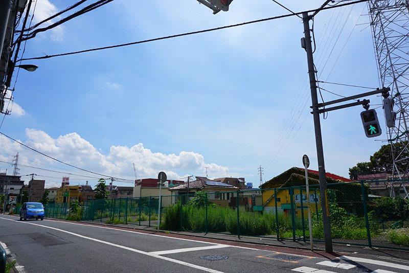 綾瀬新橋近くの信号
