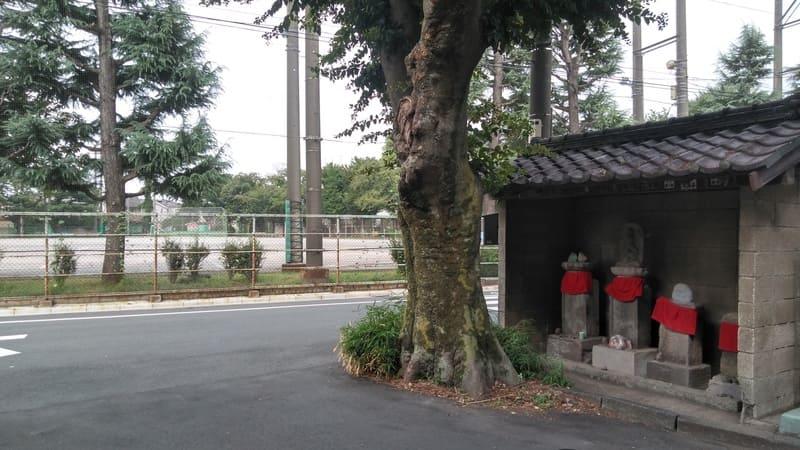 緑野中学校前の地蔵