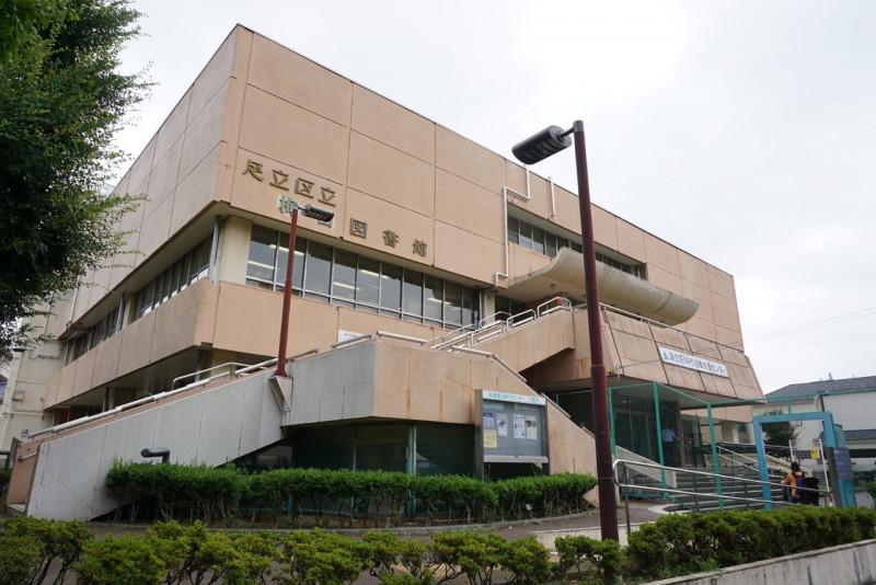 梅田図書館