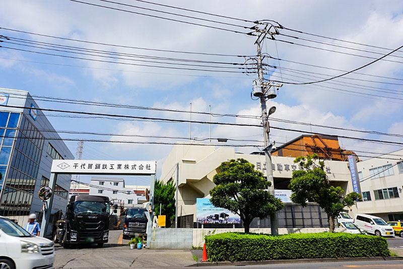 綾瀬川通りの工場