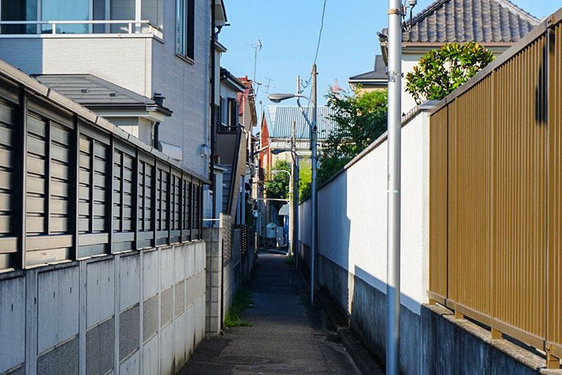 お寺の間の通路