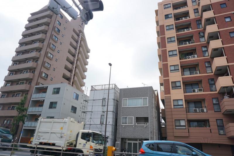 日光街道沿いのマンション