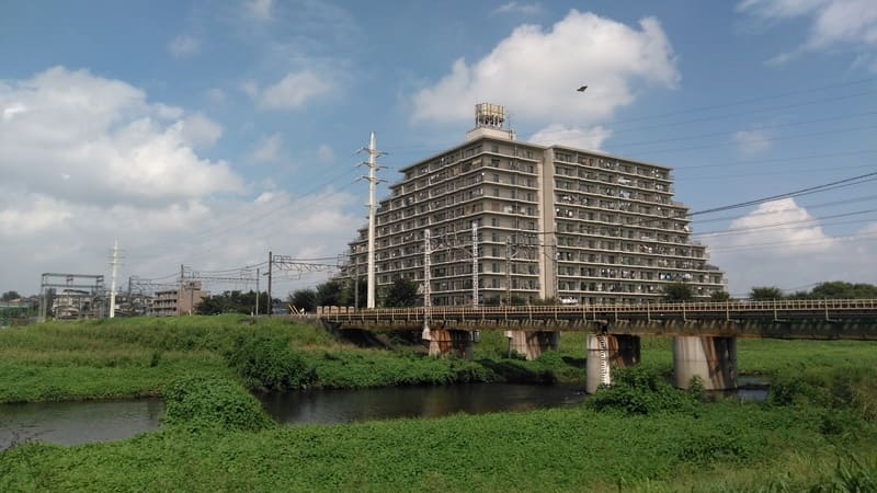 柳瀬川沿い 高架付近