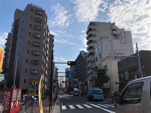 尾竹橋通り沿いのマンション