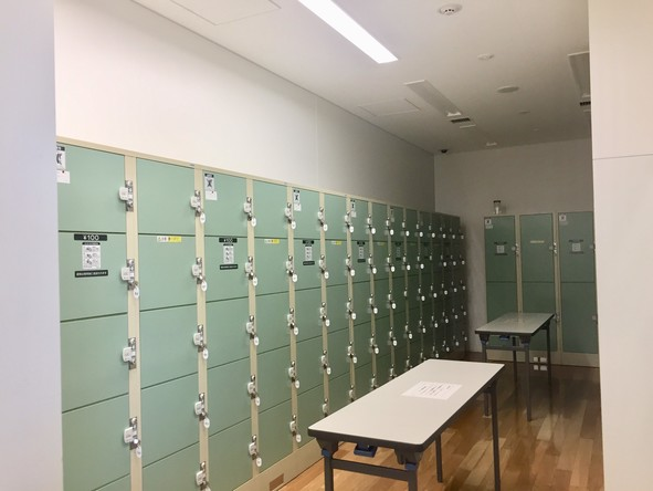 東京都立多摩図書館 ロッカー