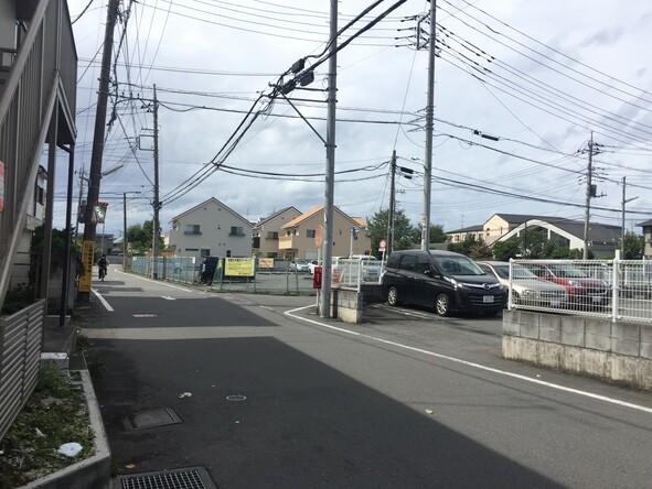 西恋ケ窪2丁目付近T字路(左)