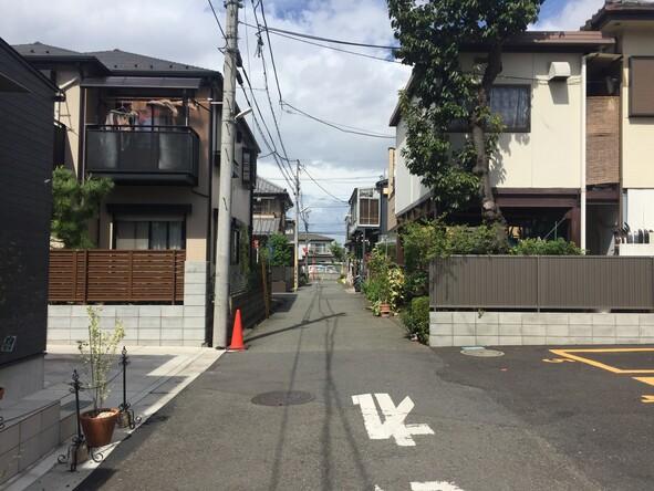 西恋ケ窪2丁目付近住宅