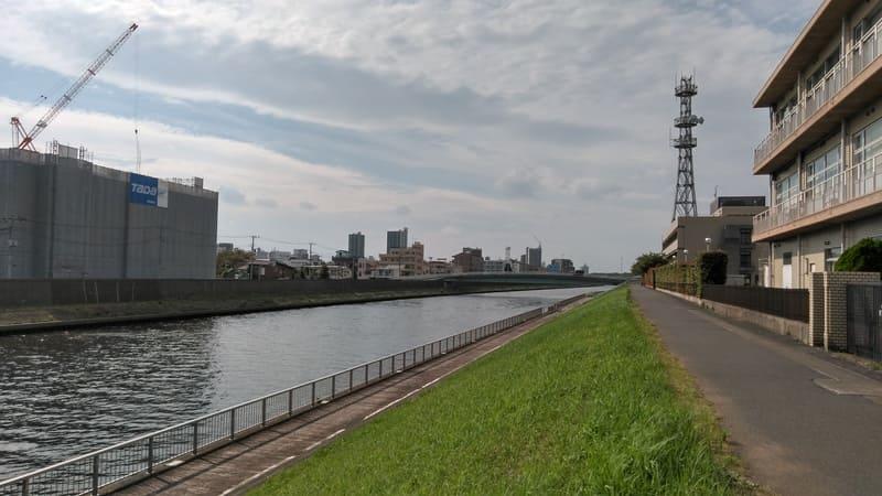 新河岸川沿い