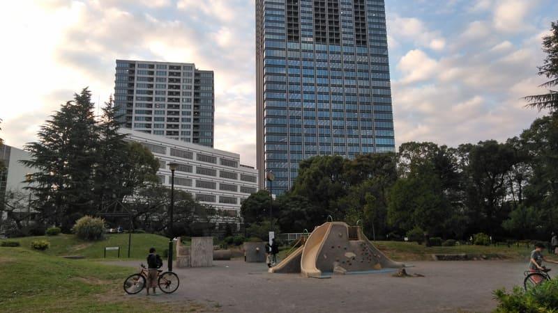 戸山公園 広場