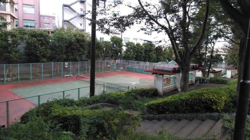 滝野川体育館 テニスコート