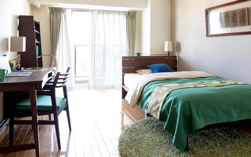 最低限の家具で空間を広めに確保したレイアウト