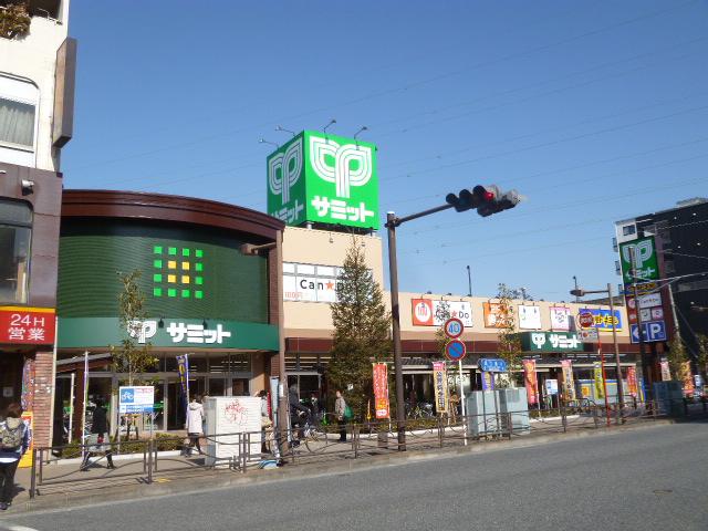 駅東側の様子
