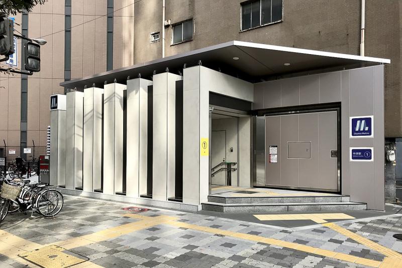 中津駅の御堂筋線出口の風景