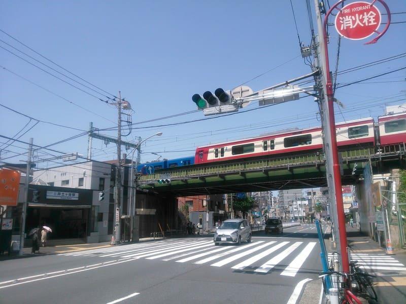 井土ヶ谷駅 駅前の様子
