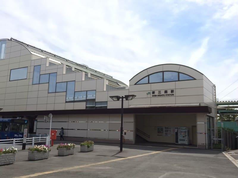 新三郷駅  東口