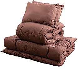 ダブルベッド用の寝具一式