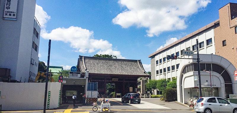 護国寺駅の外観