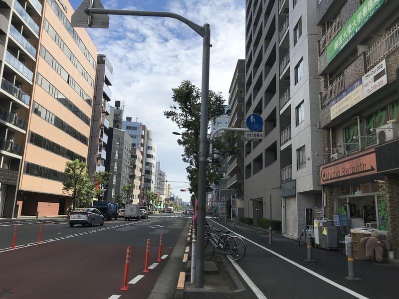 大森駅東口 入新井中央通り沿い
