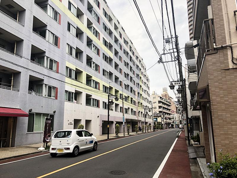 栄和通りの住宅