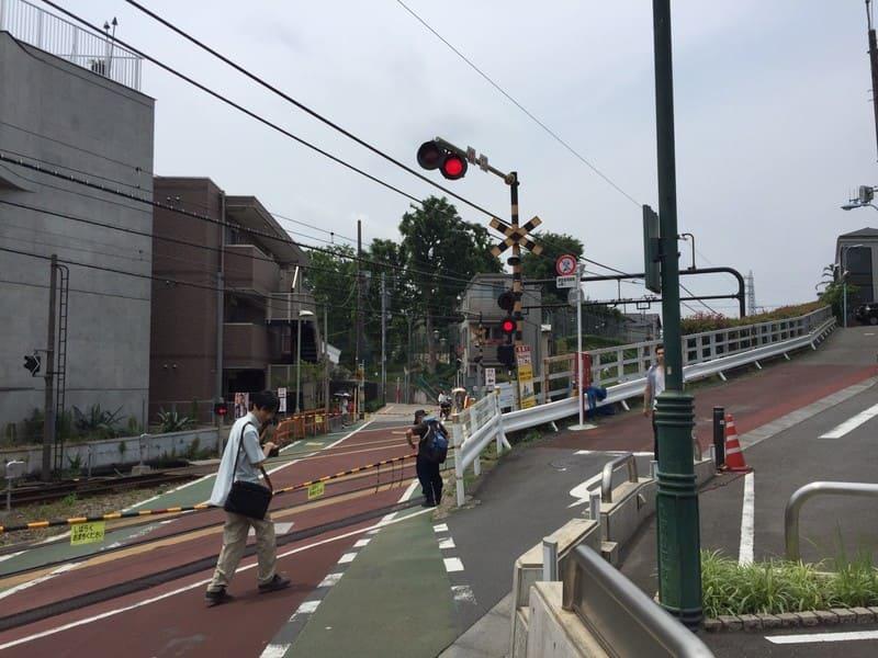 久我山駅北口 踏切の様子