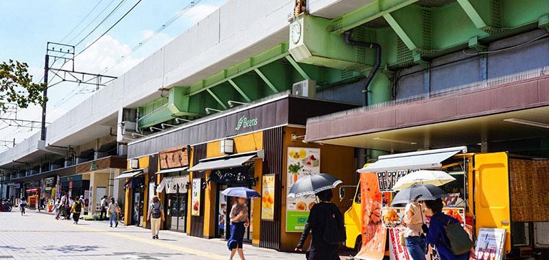 亀有駅高架下のテナント