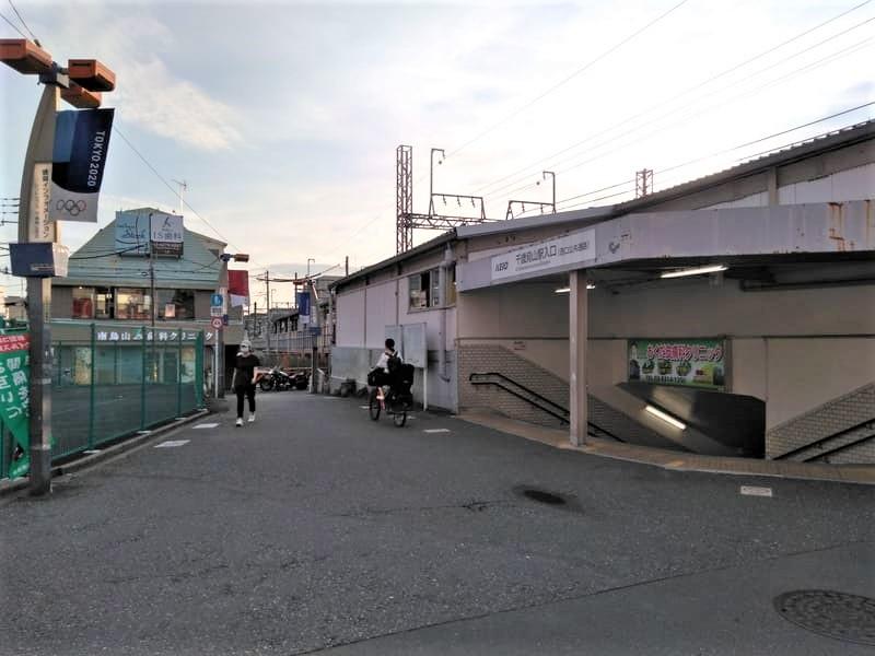 千歳烏山駅南口 西側