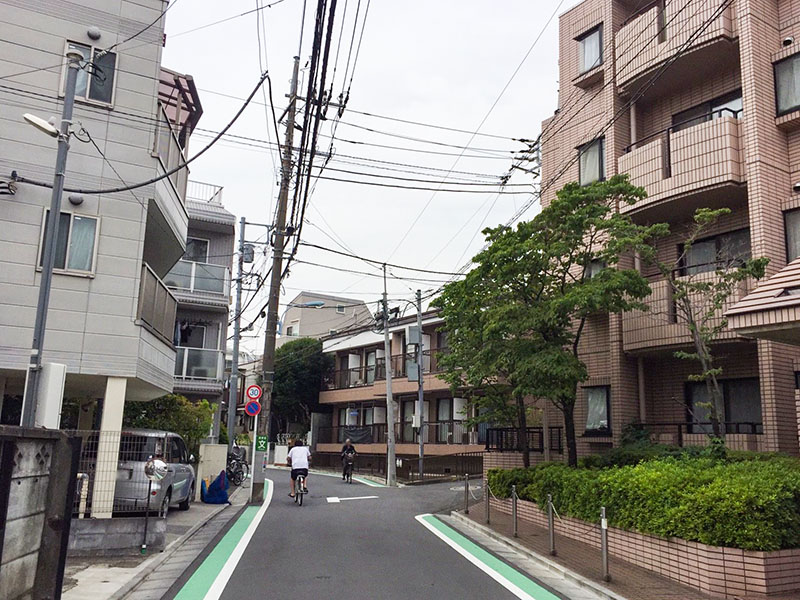 新高円寺駅南側の住宅街