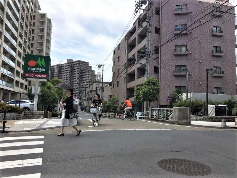 板橋駅西口 マルエツ前