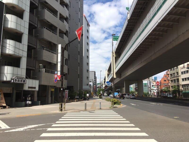 板橋駅西口 中山道沿い