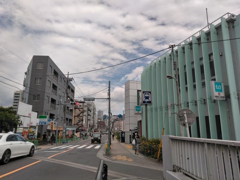 中野富士見町駅前の景色