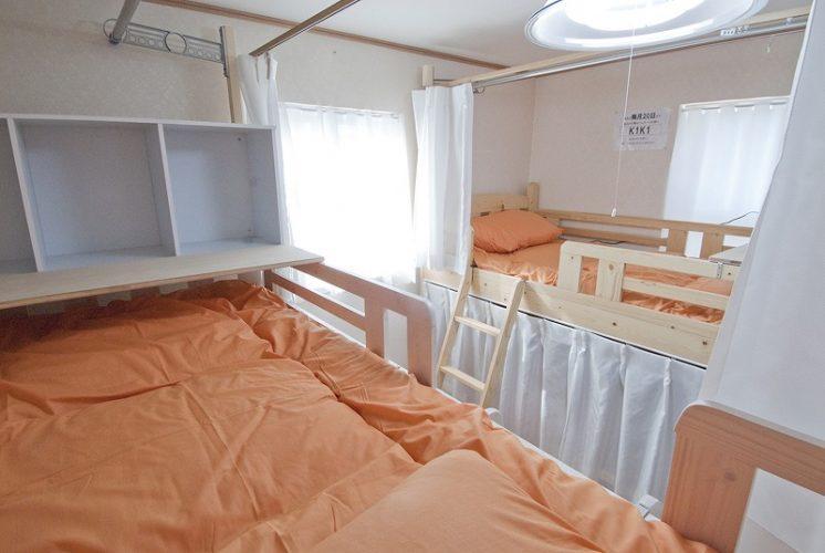 XROSS新宿1のドミトリーの内装写真