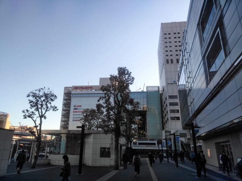 川崎駅東口側